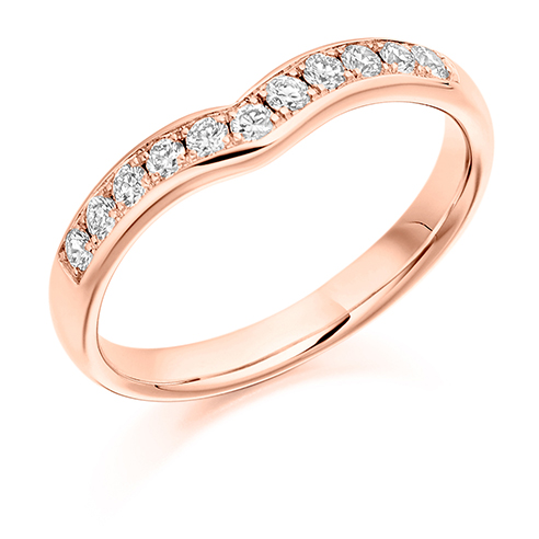 Round Brilliant Cut V Shaped Diamond Ring