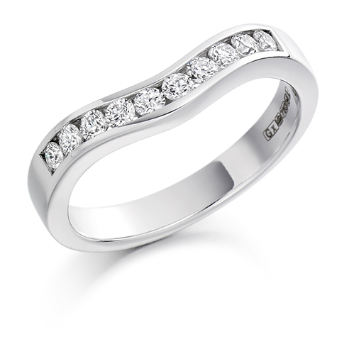 Round Brilliant Cut Curved Diamond Ring